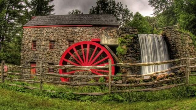 Landscape house waterwheel green