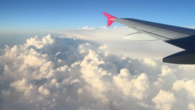 雲乗り物飛行機
